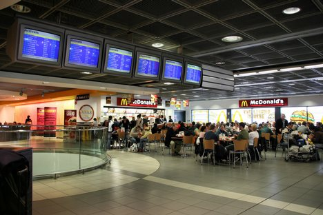 Fast food dining in airports