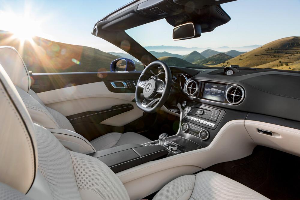 Interior of the Mercedes-Benz SL65