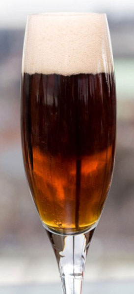 Black Velvet - Beer cocktails for Labor Day weekend - Guinness and champagne