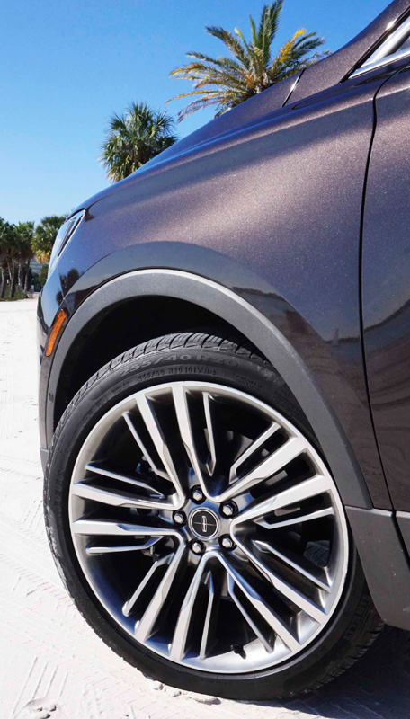 Lincoln MKC Black Label wheel