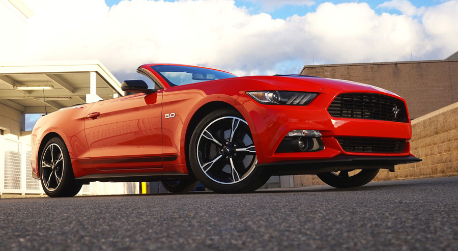 Ford Mustang - 2016 GT Convertible California Special in Race Red