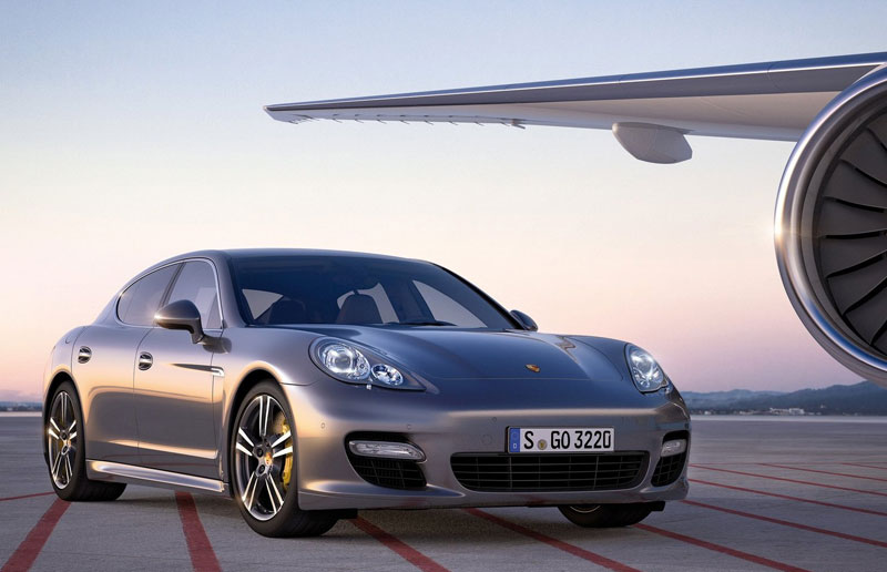 Panamera Turbo S - Porsche - 550hp - Howard Walker