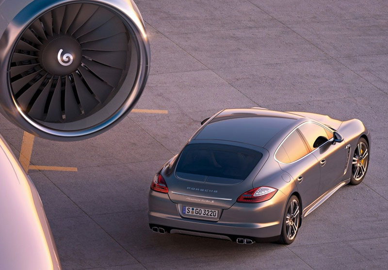 Panamera Turbo S - Porsche - Howard Walker