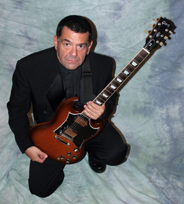 Rick Howard plays with Mudbone, The Rick Howard Trio, and solo in great venues in the Naples area, including Freddie Rebel's.