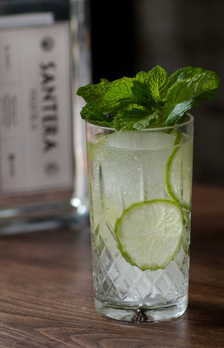 The Half-Time Show - Cocktail recipe for Super Bowl 50 - Santera Tequila