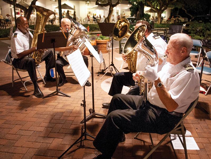 Tuba Christmas - Fifth Avenue South - Sugden Plaza - Christmas Performance