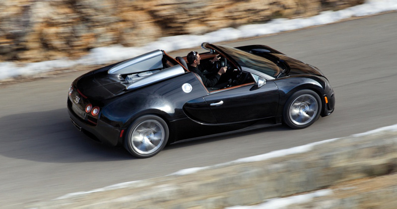 world's fasterst roadster, supercar Bugatti Veyron Grand Sport Vitesse coupe - Howard Walker