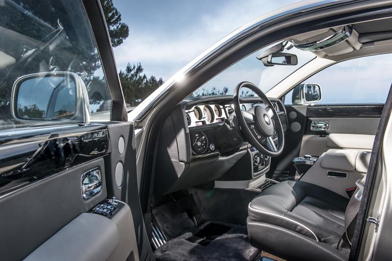 Interior of a Phantom - Rolls-Royce Phantom Series II - The Wheel World drives the ultimate luxury autombile