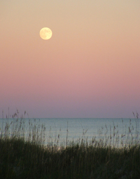 Moon rising over the Atlantic - Key Biscayne - luxury travel meets Florida history