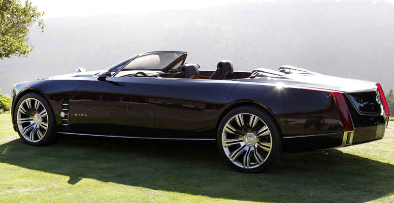 profile of the Cadillac's convertible concpet Ciel - Pebbel Beach Concours d'Elegance