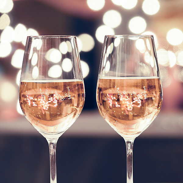 5 Tips for Hosting a New Year's Eve Party | Naples Illustrated