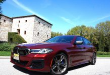 BMW 550i 1 front view.jpg