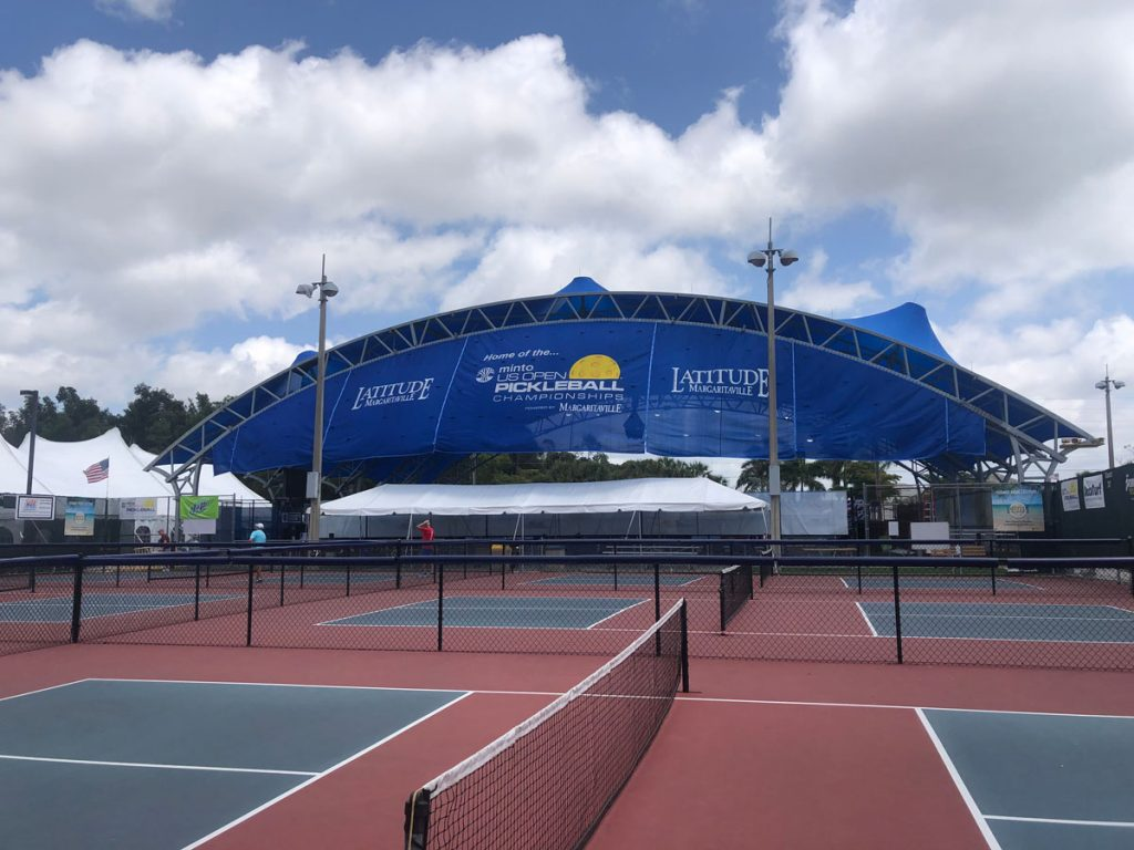 East Naples community Park pickleball courts, Photo by Maddie Laufer