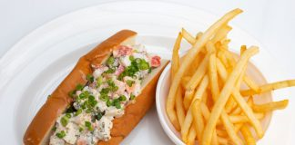 Ziggy's-Mary's-Fish-Camp-Famous-Lobster-Roll