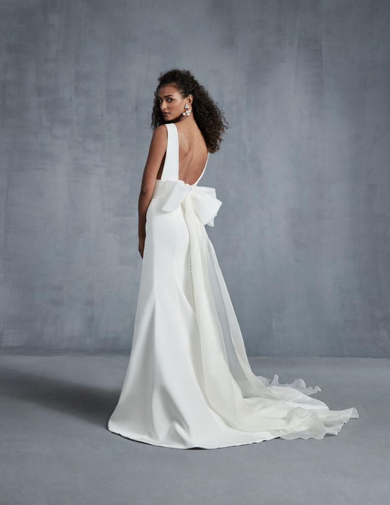 Heart four-ply silk crêpe sheath dress ($4,690), detachable bow train ($1,127), Ines di Santo, Chic Parisien, Coral Gables