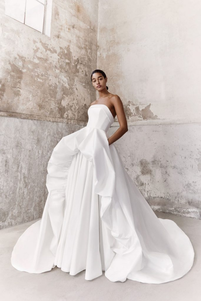 Volant Dream eco-friendly taffeta gown with tiered volant and train (price upon request), Viktor & Rolf Mariage, Chernaya Bridal House, Miami, photo by Marijke Aerden