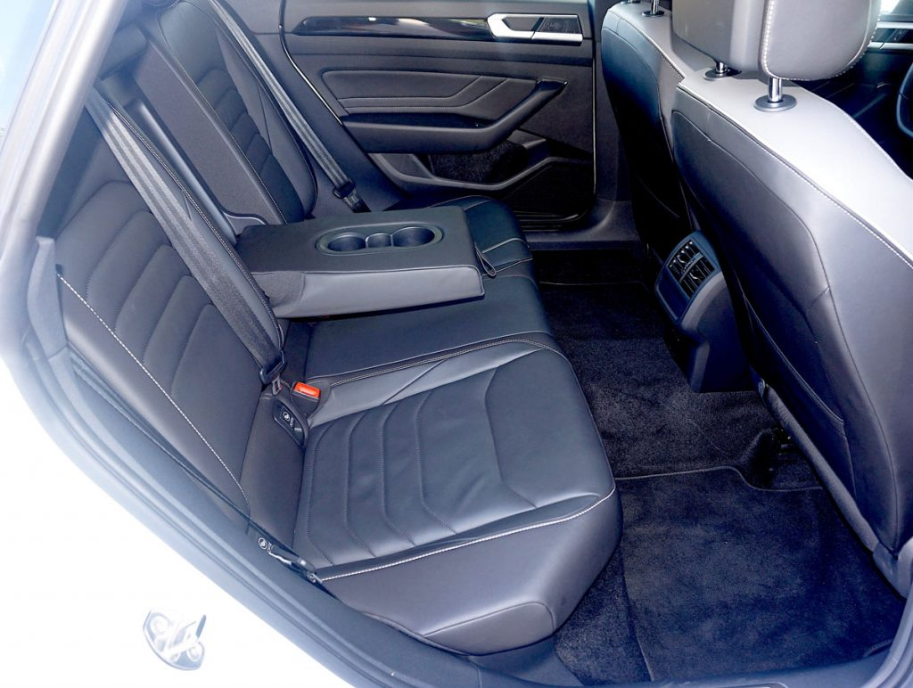 Volkswagen Arteon Flagship sports sedan back seats
