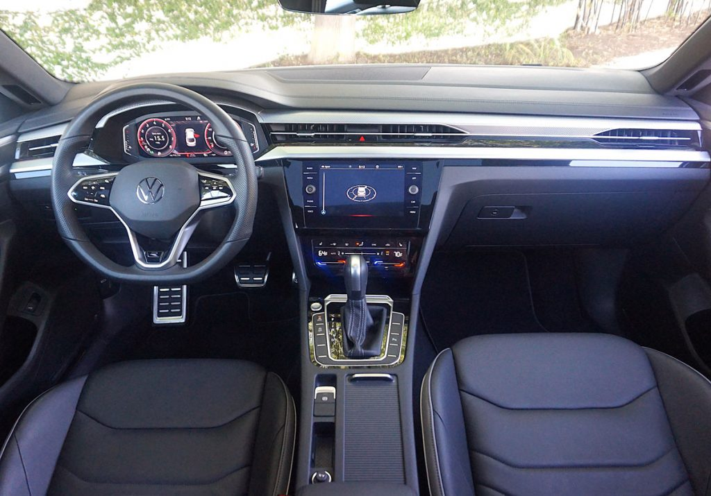 Volkswagen Arteon Flagship sports sedan dashboard:steering wheel