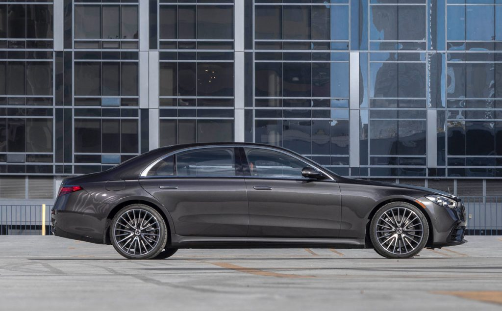 2021 Mercedes-Benz S-Class sedan side